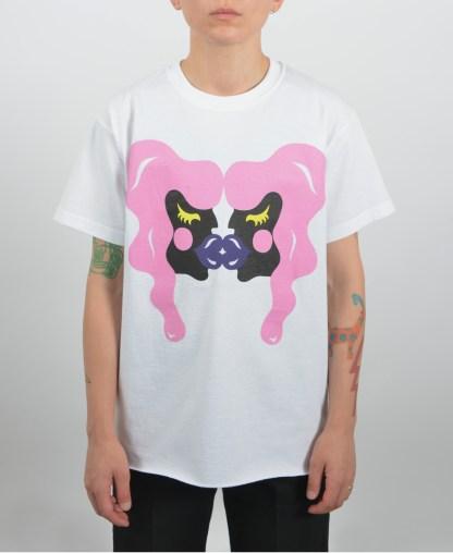 Printed-kissing-t-shirt-white